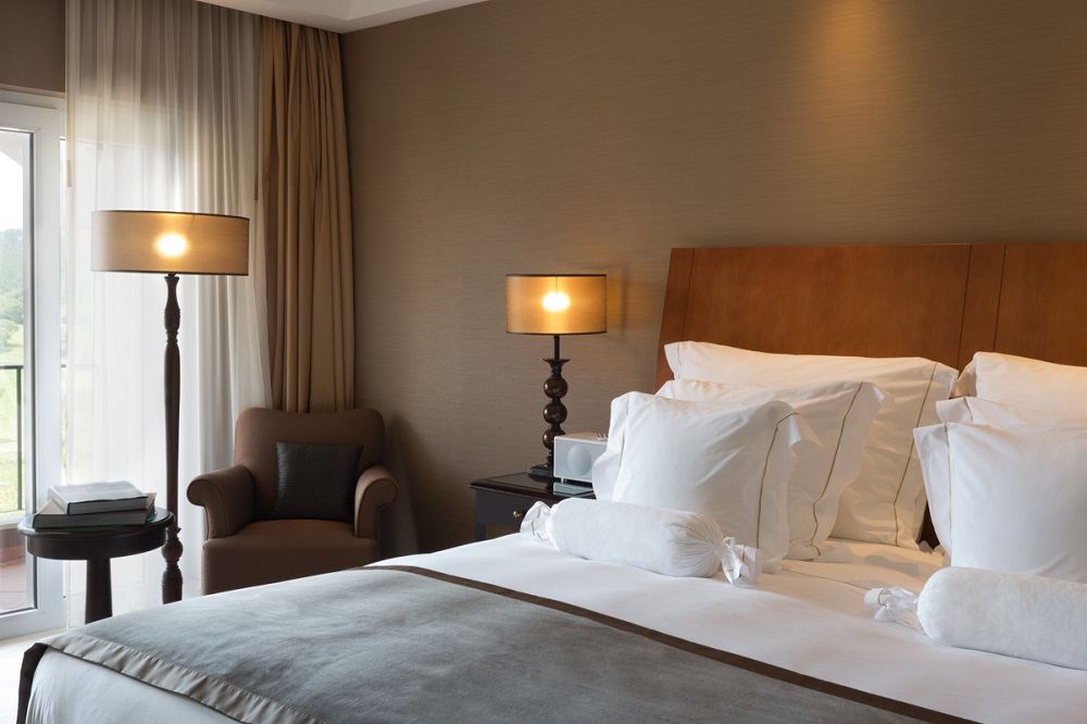 La chambre de l'hôtel Penha Longa Resort.