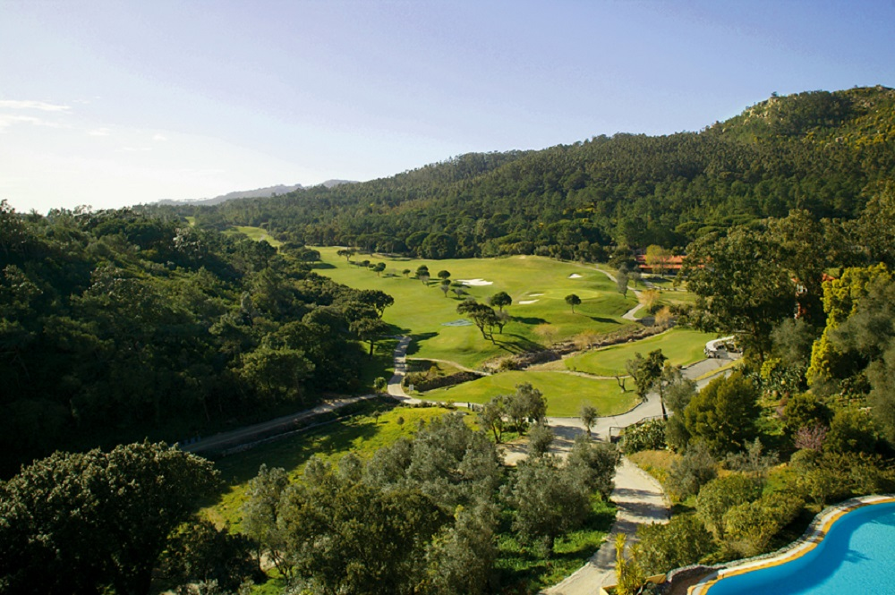 Panorama sur le golf de Penha Longa au Portugal