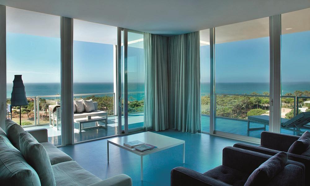 Le salon de l'hôtel l'Oitavos au Portugal