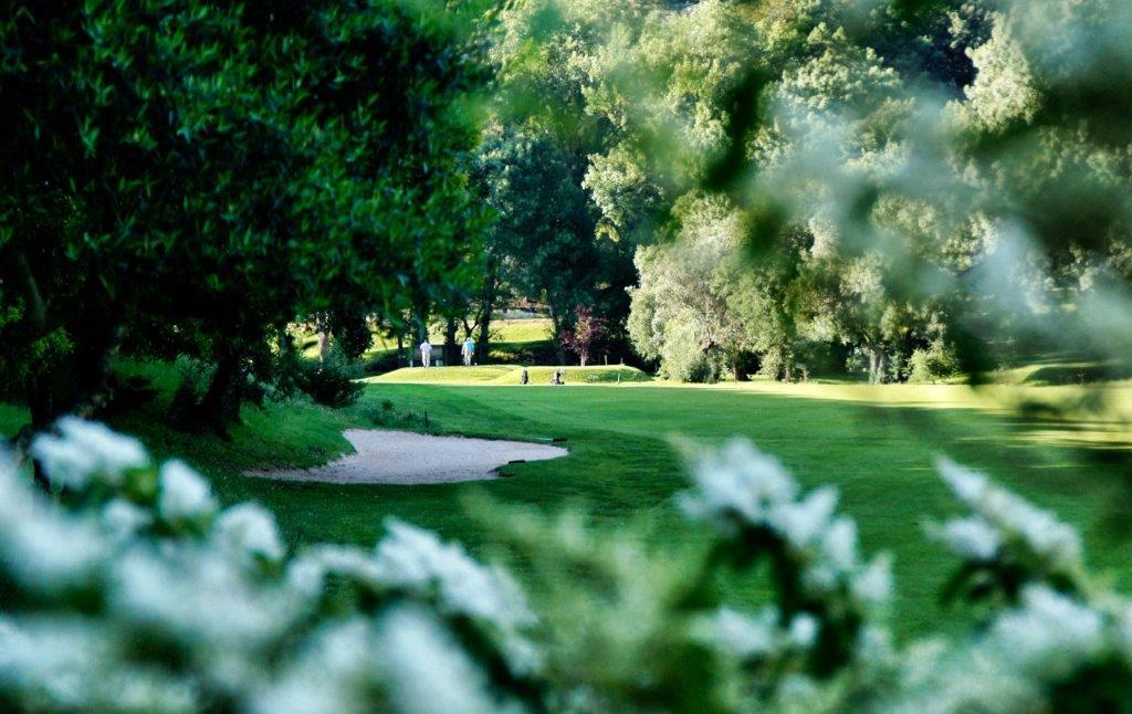Trou 2 du golf Lisbon Sports Club au Portugal