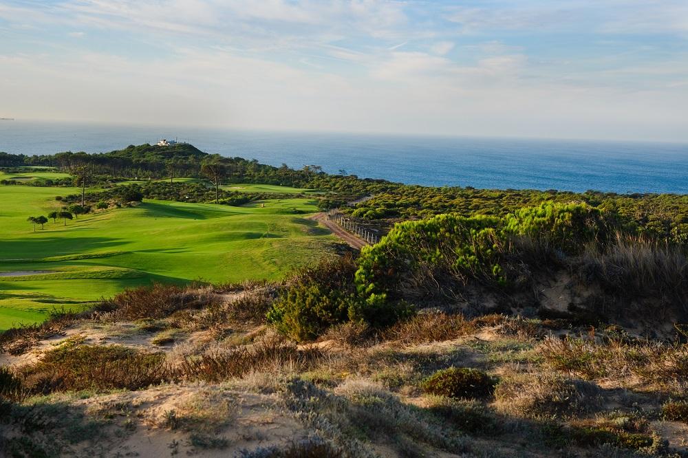 Vue sur mer du golf de Oitavos Dunes au Portugal