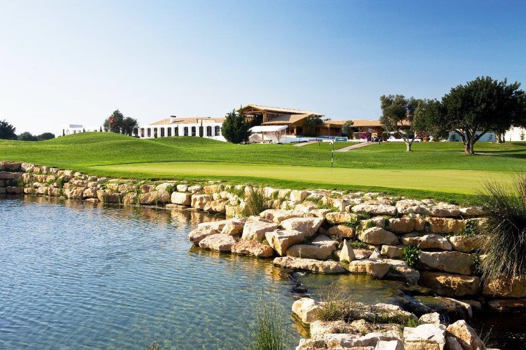 Etang  du golf d'Oceanico Victoria au Portugal