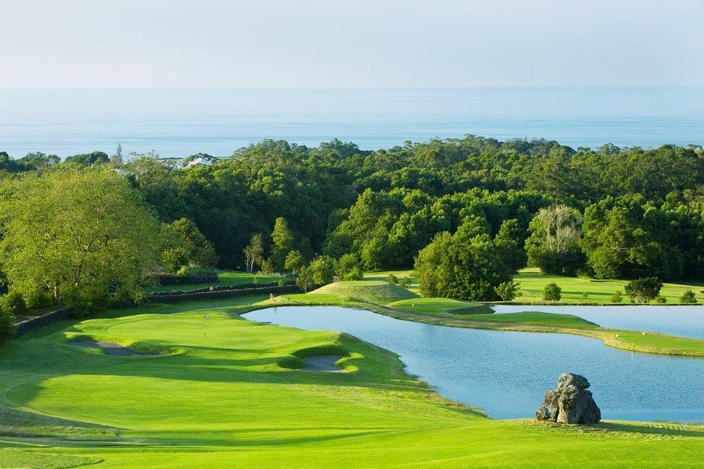 Obstacle d'eau du golf de Batalha au Portugal