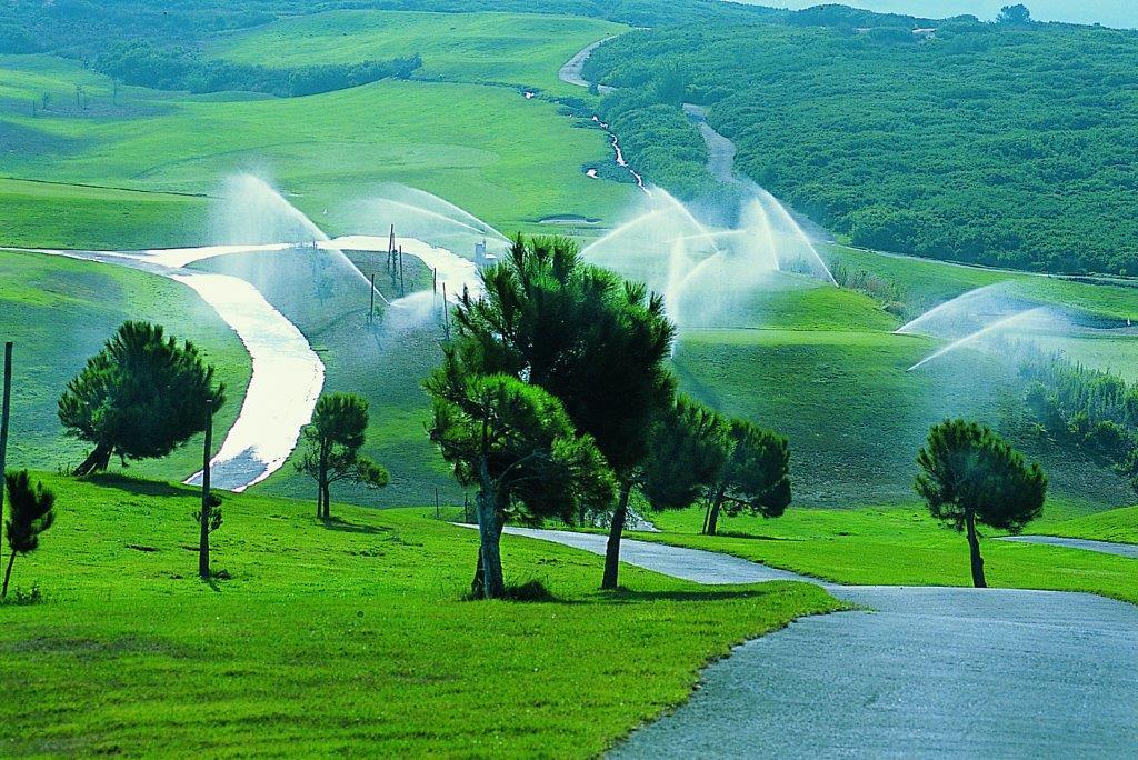 Arrosage du golf de Belas au Portugal