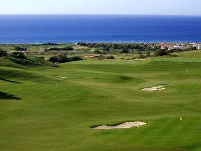 Vue sur mer du golf de Palmares au Portugal
