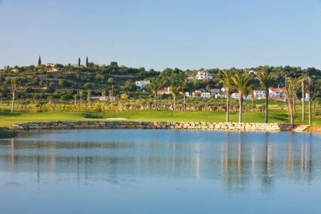 Etang du golf de Oceonico O'Connor au Portugal