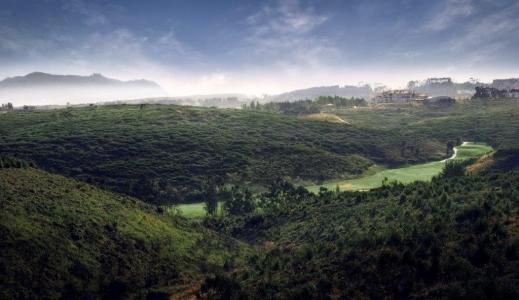 Vue aérienne du golf de Belas au Portugal