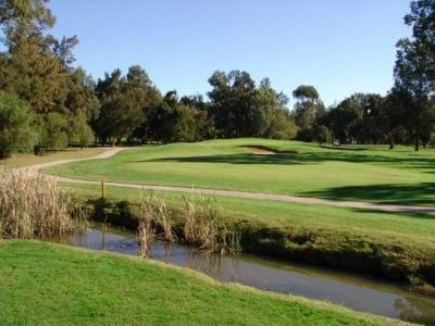 L'obstacle d'eau du golf de Penina Championship au Portugal