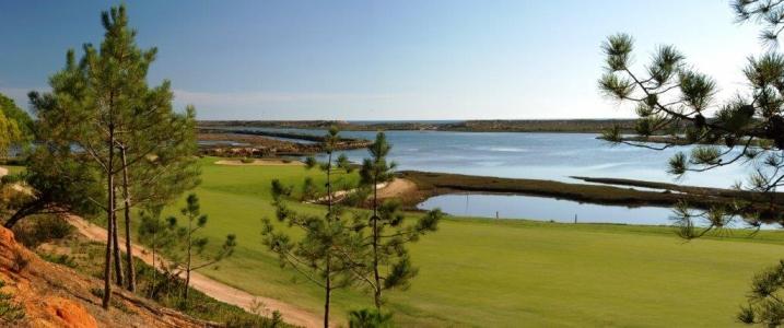 Trou 7 du golf de San Loranzo au Portugal