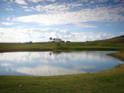Lac sur le golf de Porto Santo au Portugal