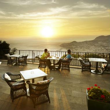 Coucher du soleil sur la terrace du clubhouse