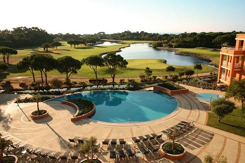 Piscine au golf Resort Quinta da Marinha proche de Lisbonne au Portugal